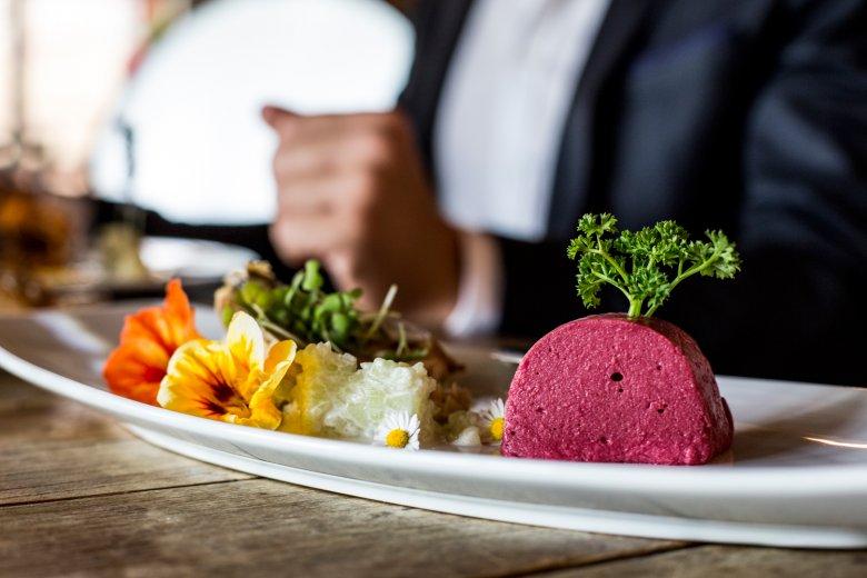 Von der Fenchellasagne bis zum gefüllten Kohlrabi. Sogar Alpines Sushi steht auf der Karte.