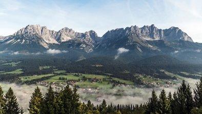 https://images.seekda.net/AT_UAB7-05-24-03/landschaft-panorama_wilder-kaiser_foto-peter-von-felbert-%2816%29.jpg