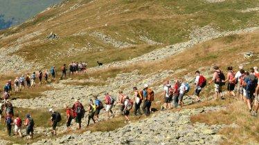 Teilnehmer der 11-Stunden-Wanderung KitzAlpHike, © TVB Kitzbüheler Alpen - Brixental