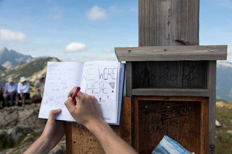 Gipfelbuch auf dem Rosskopf in Kramsach. Foto: Paul Kranzler