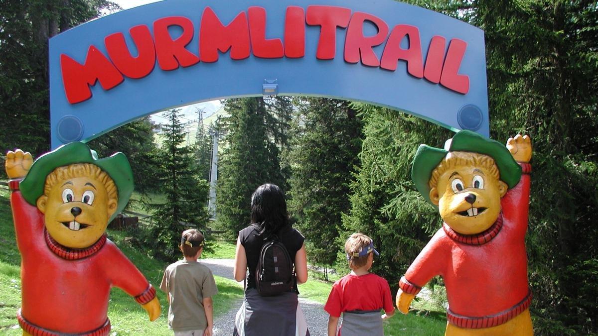 Das Murmli, wie das Murmeltier im lokalen Dialekt heißt, ist das Wappentier aller Attraktionen und Veranstaltungen für Kinder und Familien., © Serfaus-Fiss-Ladis