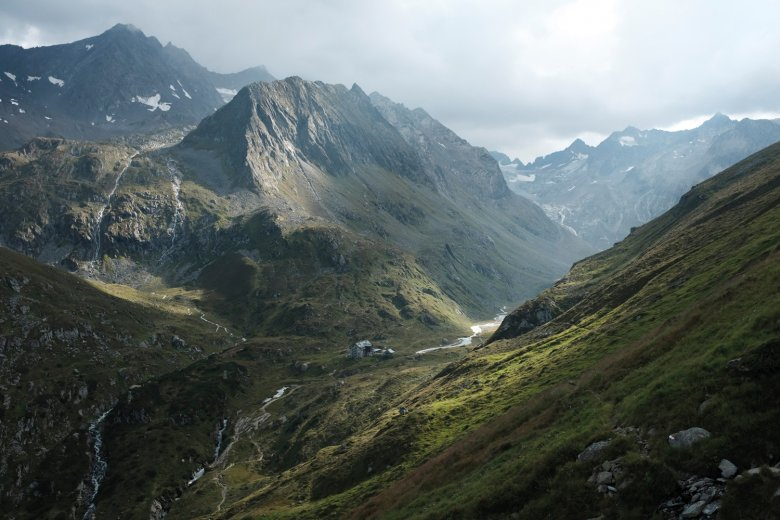 Das Ziel vor Augen: Blick auf die Franz-Senn-Hütte.