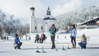 Eisstockschießen am Seekirchl in Seefeld, © Olympiaregion Seefeld, Stephan Elsler