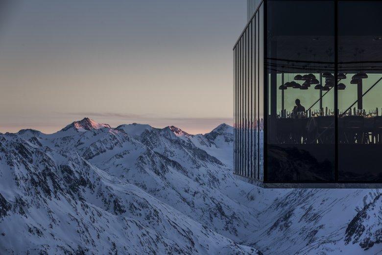 Auf über 3.000 Meter Seehöhe verschiebt und versetzt sich der Boden durch den Permafrost. Eine Herausforderung für den Architekten. Foto: Ötztal Tourismus