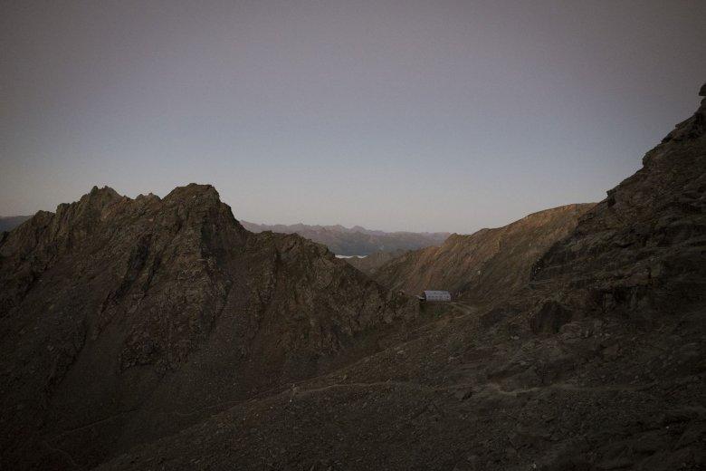 Blick zurück zur Stüdlhütte am Weg auf den Gipfel.