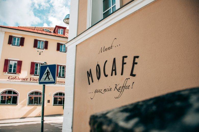 """Selbstgerösteten Kaffe gibt es im """"Mocafe""""."""