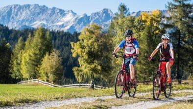 E-Biken in Reith, © Olympiaregion Seefeld- Ronny Kiaulehn