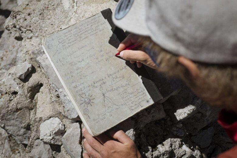 Guidos Autogramm im Gipfelbuch.