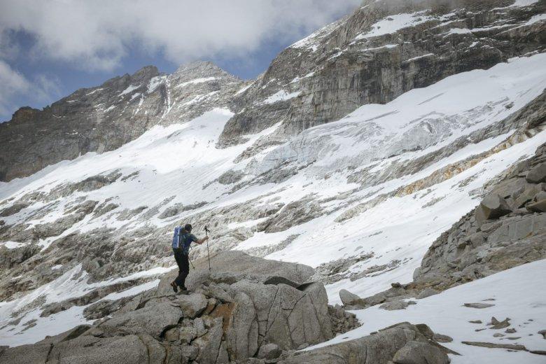 Gletscherbrüche durchziehen die Südseite des Olperers, den Hausberg des Zillertaler Bergführers Bernhard Neumann.