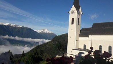 Reither Pfarrkirche mit Aussicht