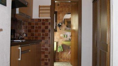 4 Apptm. 2 Vorraum +Zugang DU-WC +Küchenbereich  3
