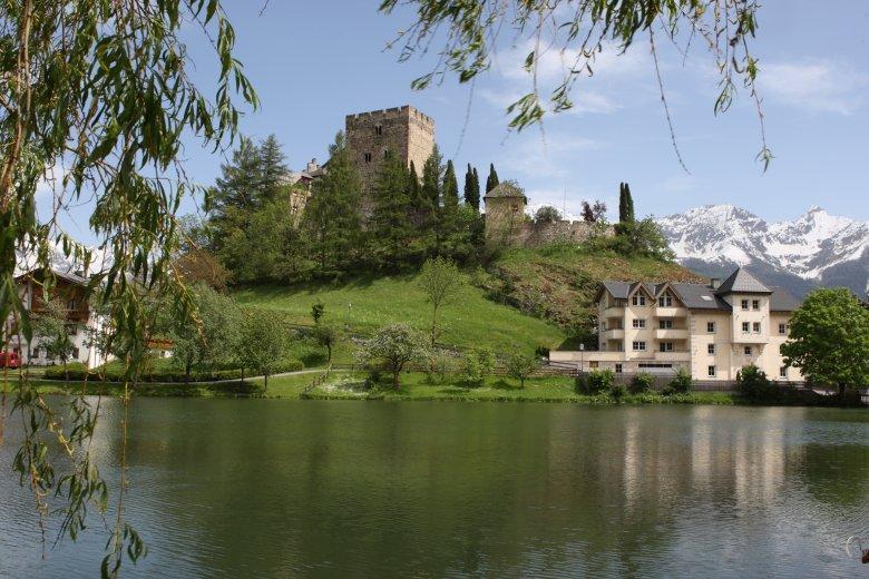 Der Schlossweiher gehört zur Burg Laudeck. , © Serfaus Fiss Ladis Marketing GmbH, Andreas Kirschner