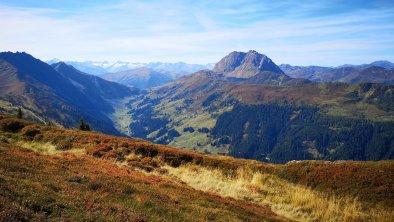 Schwarzkogel mit Blick zum Rettenstein, © AschauerHof