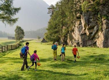 Mit der Familie gemeinsam klettern gehen. , © Tirol Werbung, Hans Herbig