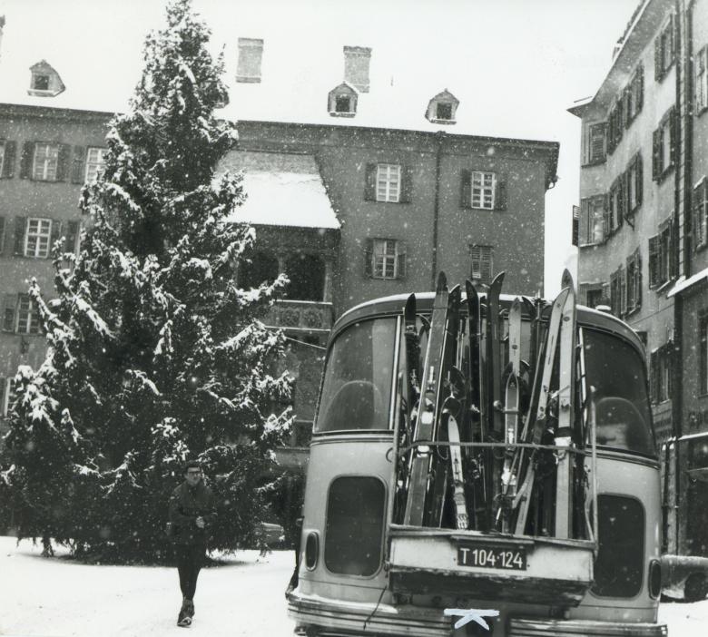 Skifahren in den Weihnachtsferien stand schon 1968 am Programm. Bildquelle: Stadtarchiv