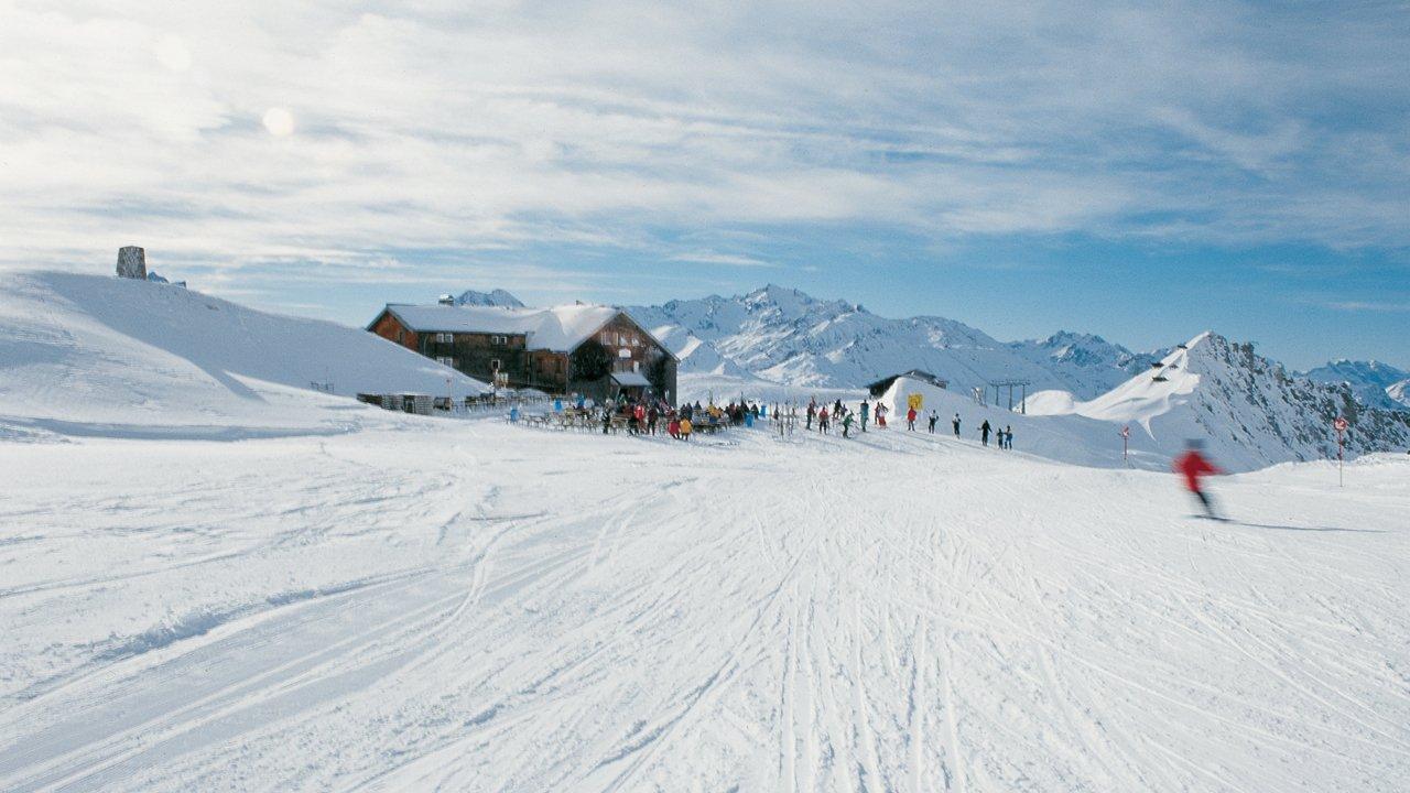 Ulmer Hütte im Skigebiet St. Anton, © Andreas Lettmayer