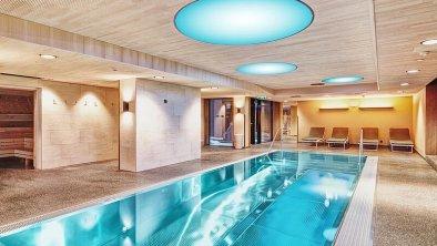 csm_hallenbad-pool-wellnesshotel-in-den-bergen-oes