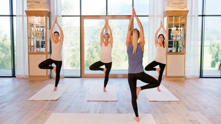 Yoga im Biohotel Schweitzer, © Biohotel Schweitzer