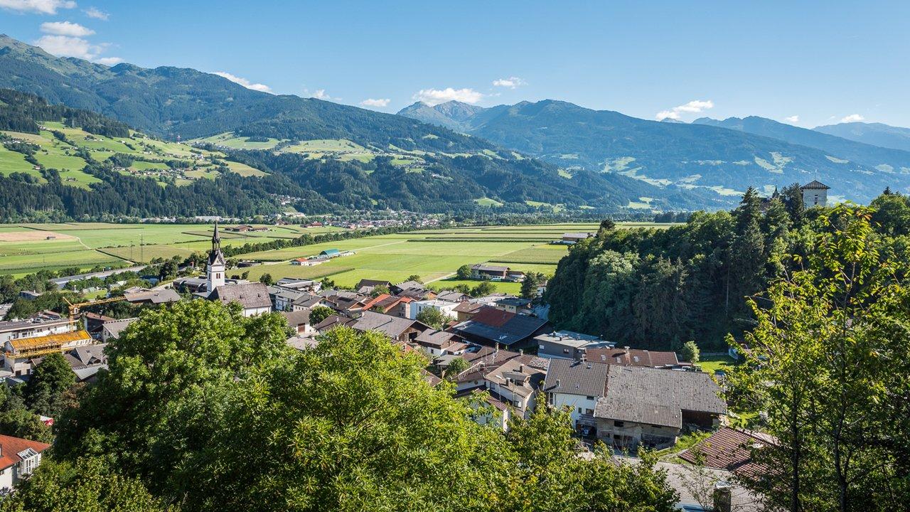 Blick auf Vomp und das Inntal, © Silberregion Karwendel