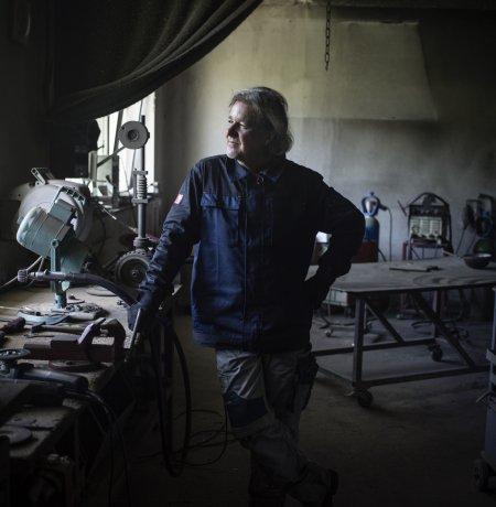 Wolfgang Olivier in seiner Werkstatt, © Tirol Werbung/Lisa Hörterer