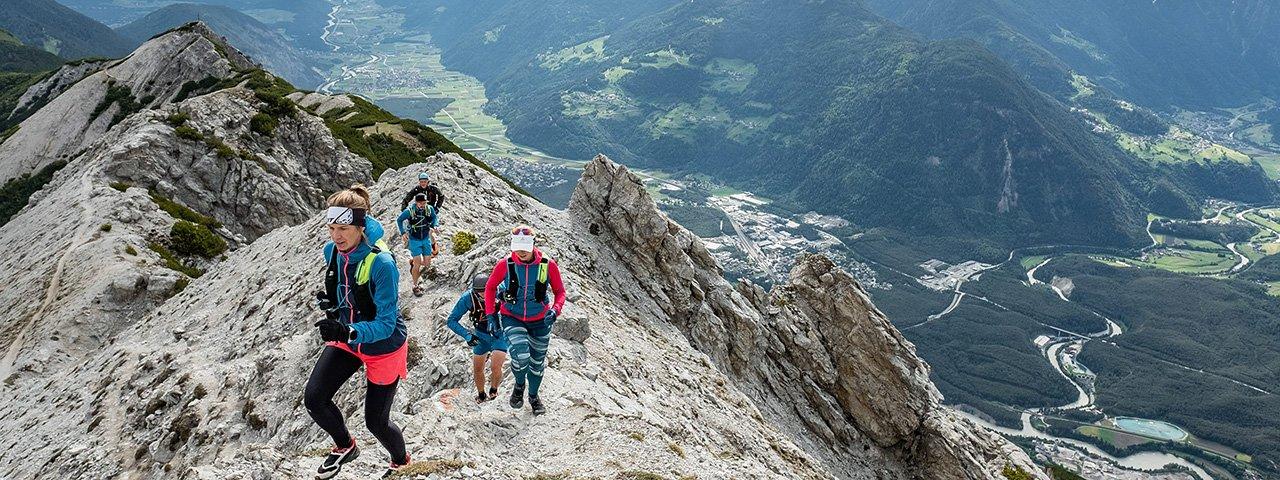 Das Inntal zu Füßen, alpines Gelände unter den Sohlen: Der Tschirgant Sky Run ist ein unvergessliches Erlebnis, © Imst Tourismus_daniko.at