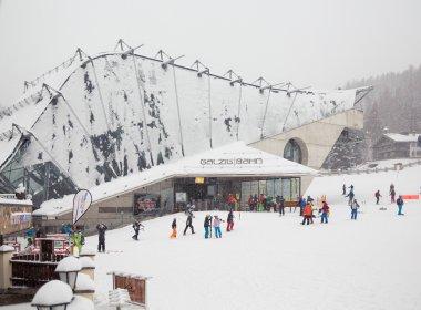 Die Galzigbahn im Schneegestöber.