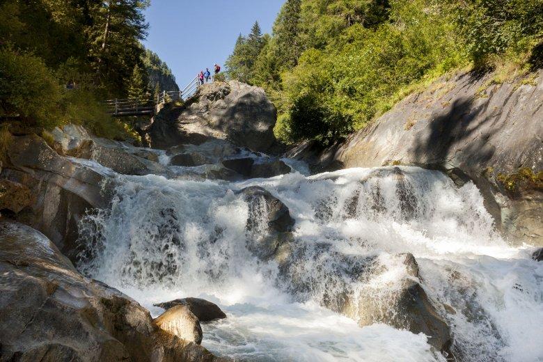 Das Flusswandern in der Nationalparkregion Hohe Tauern ist genau das richtige für Familien und Naturliebhaber. Foto: Nationalpark Hohe Tauern/Martin Lugger