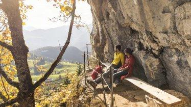 """Aussicht auf der Felsschlucht """"Teufelgasse"""" bei Kirchdorf in Tirol, © Kitzbüheler Alpen Marketing/Sportalpen"""