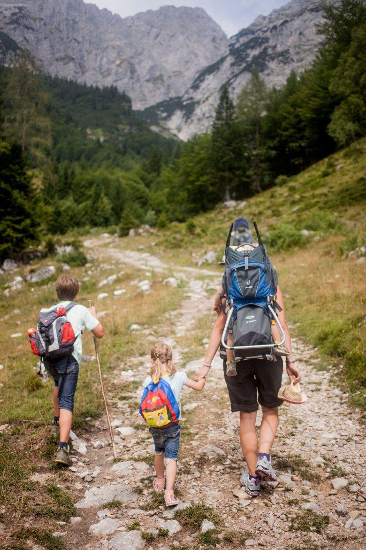 Gemeinsam grillen auf 1.650 Metern. , © Tirol Werbung, Hans Herbig