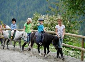 Ponyreiten im Replerhof, © Urlaub am Bauernhof