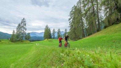 E-Bike und Radfahren in Leutasch, © Olympiaregion Seefeld, Ronny Kiaulehn