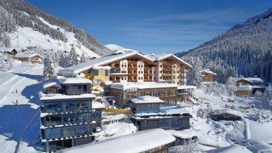 Almhof Family Resort & SPA im Winter