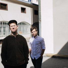 Zukunft im Blick: Die Innsbrucker Architekten Christian Hammerl (links) und Elias Walch wissen genau, was zeitgemäß schönes Bauen ausmacht.