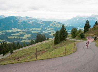"""Auf dem Weg zum """"Berg der Entscheidung"""", dem Kitzbüheler Horn."""