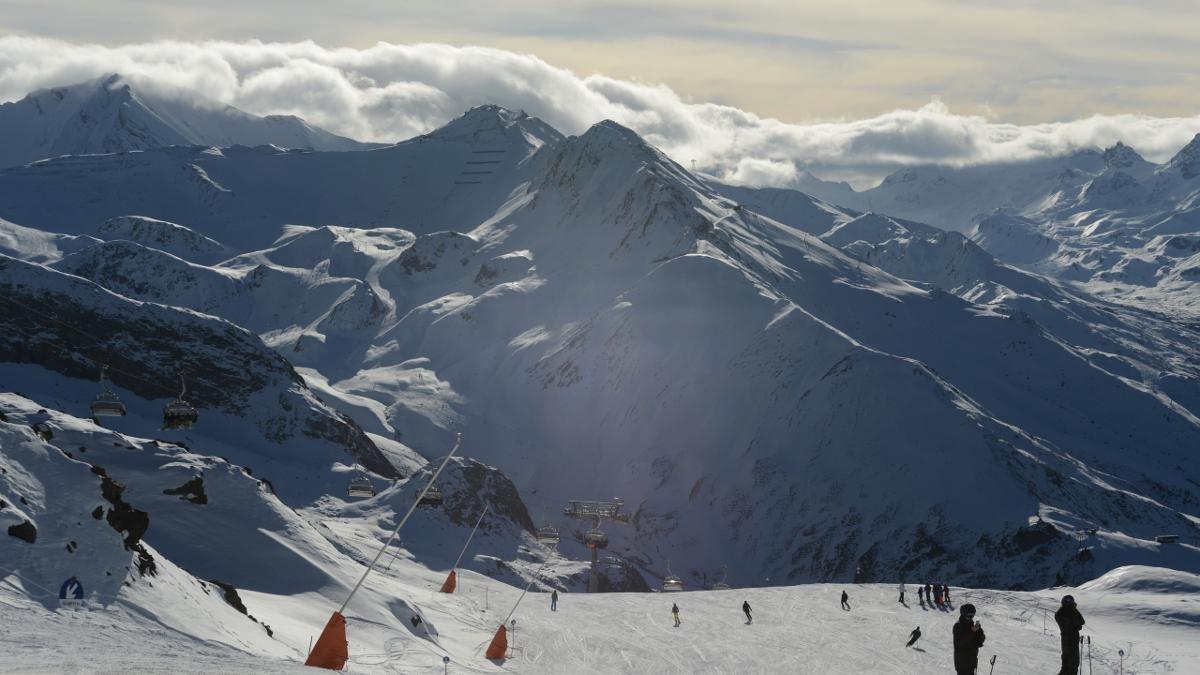 45 Lifte und Seilbahnen, knapp 240 Pistenkilometer – die Silvretta-Arena, die Ischgl mit dem schweizerischen Samnaun verbindet, verspricht zwischen November und Mai Schneesicherheit., © Paznaun-Ischgl