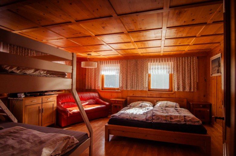 Mehrbettzimmer im Basecamp.