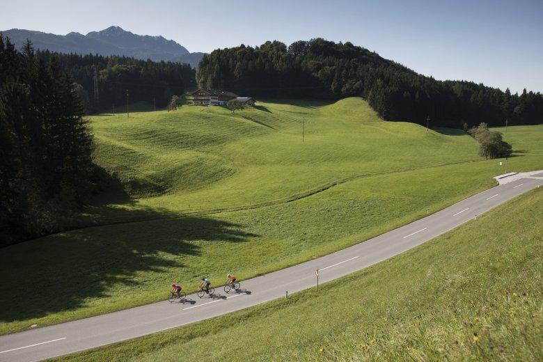 Die Rennrad-Runde nach Wiesing führt an fünf Seen vorbei.
