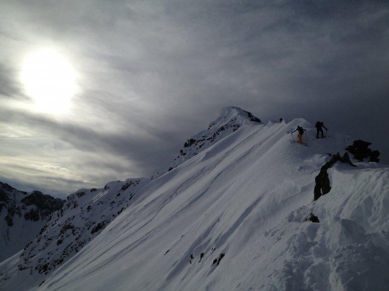 Bei einer Skitour auf den Mitterzeiger in der Nähe des Rietzer Grieskogels.