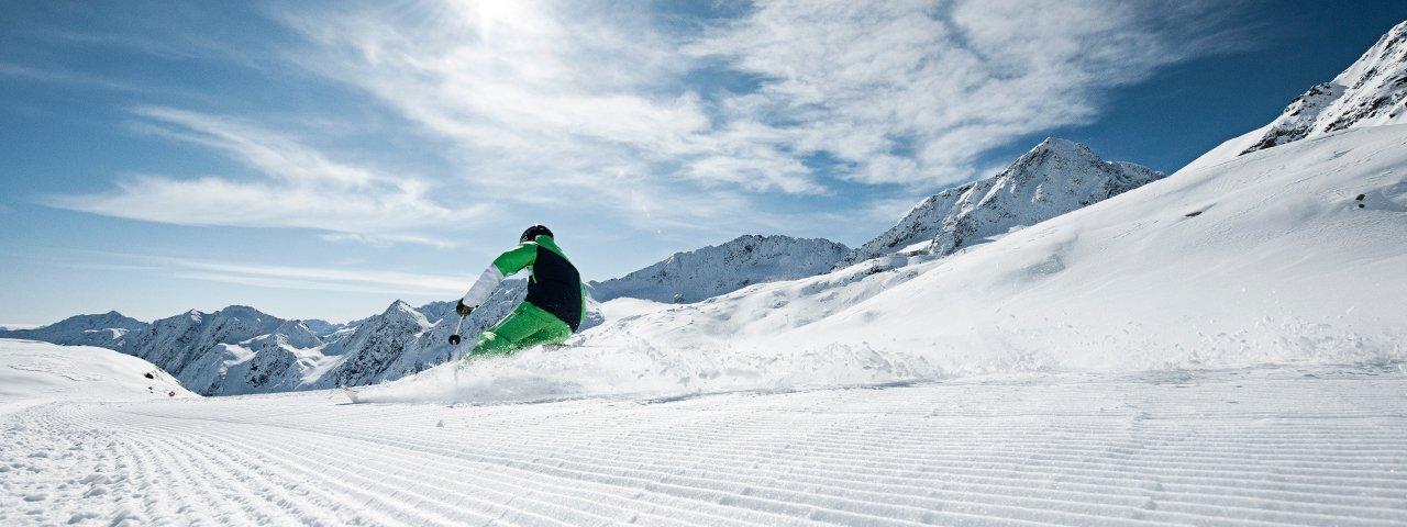 Skifahren am Stubaier Gletscher, © Stubai Tirol/Andre Schönherr