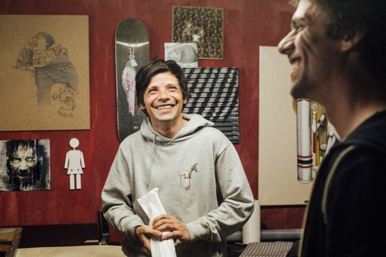 Benoît zu Besuch im Atelier eines guten Freundes, Lukas Goller.