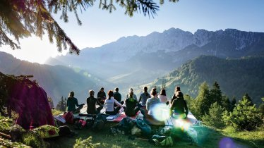 Yoga an der frischen Bergluft, © TVB Kufsteinerland