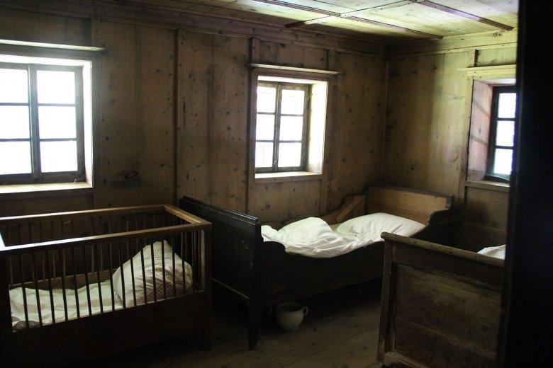 Schlafkammer im Wohnhaus des Paarhofes Tierstaller, Pfalzen, aus dem Jahre 1557