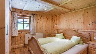 https://images.seekda.net/AT_UAB7-04-06-06/Flecklhof_Flecklweg_25_Hopfgarten_08_2020_Appartement_Feldalphorn_Schlafzimmer.jpg