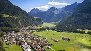 Längenfeld im Sommer, © Ötztal Tourismus/Lukas Ennemoser