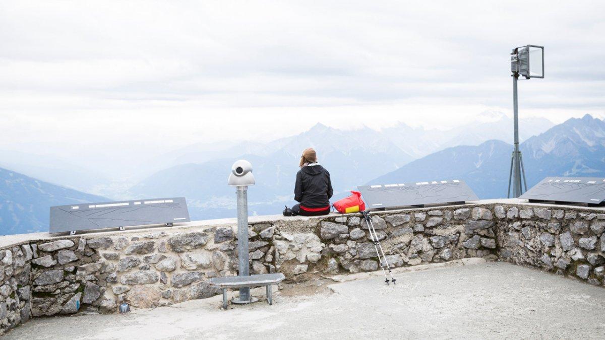Adlerweg: Ausblick vom Hafelekar über Innsbruck, © Tirol Werbung